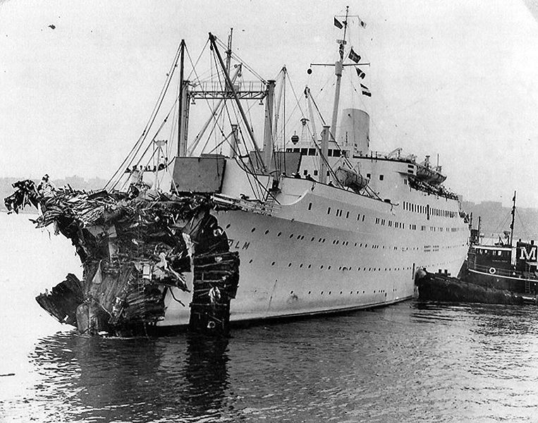 front of ship with wreckage