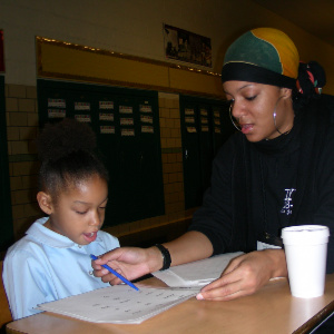 WSU tutor works with Detroit student