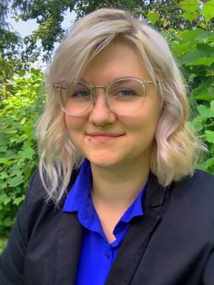 Danielle Hicks smiling